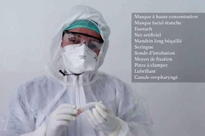 Technique d'intubation avec Fastrach ™ aux urgences avec un patient COVID+